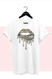 Canvas Drip Lips Tee - Front cropped