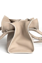 Canvas & Hyde Sydney Tote - Front full body