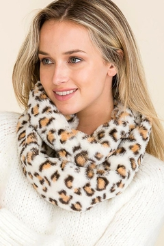 Cap Zone Leopard Pattern Faux Fur Infinity Scarf - Product List Image