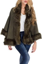Cap Zone Single Layered Open Silhouette Cape With Faux Fur - Front cropped