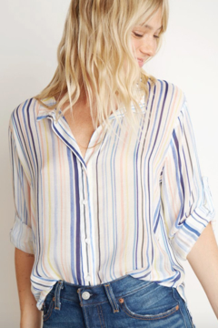 28b65fd45a Bella Dahl Capri Button Down - Alternate List Image ...
