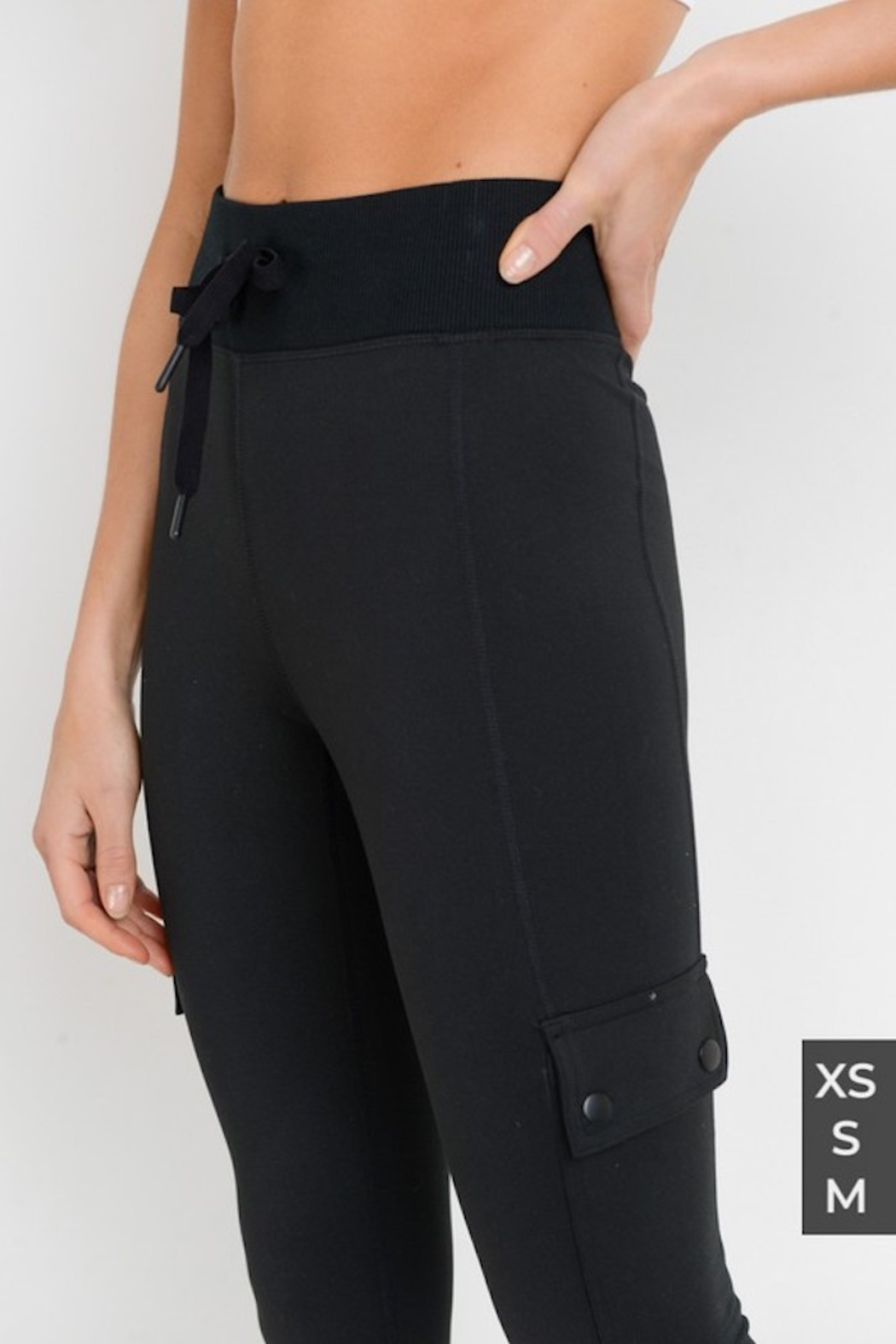 Mono Cargo-Jogger Hybrid Leggings with Clasp Buttons - Side Cropped Image