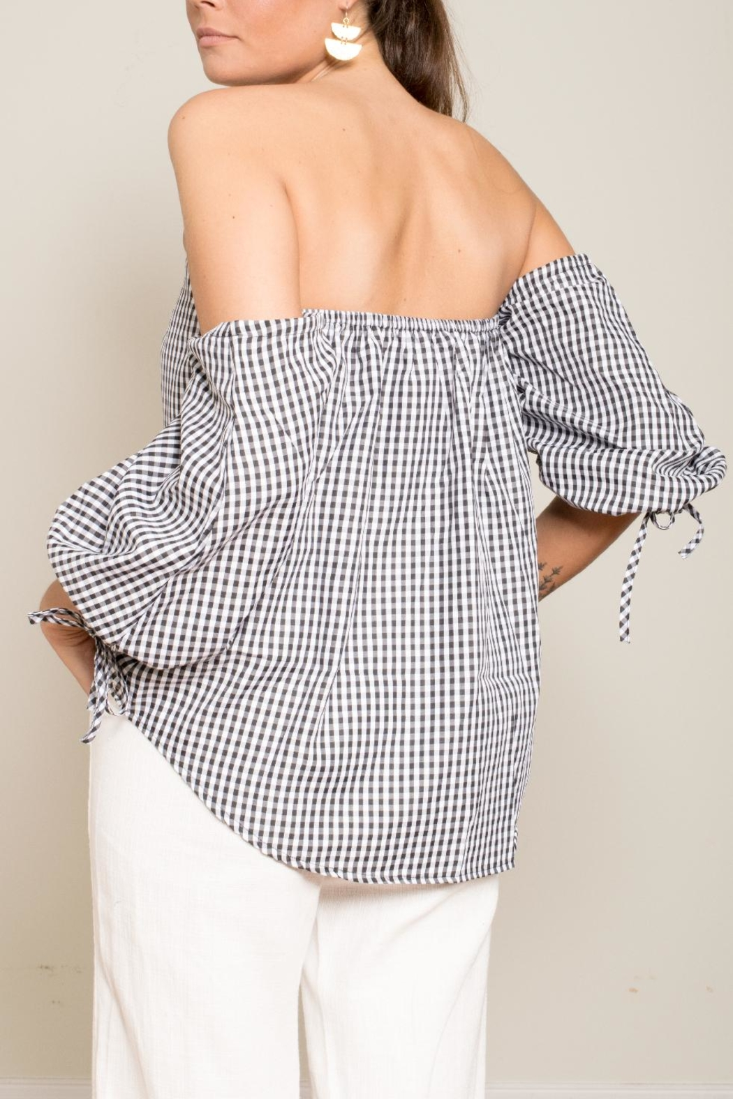 Carmin Gingham Off Shoulder Top - Back Cropped Image