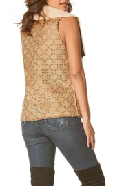Carmin Sherpa Diamond Vest - Front full body