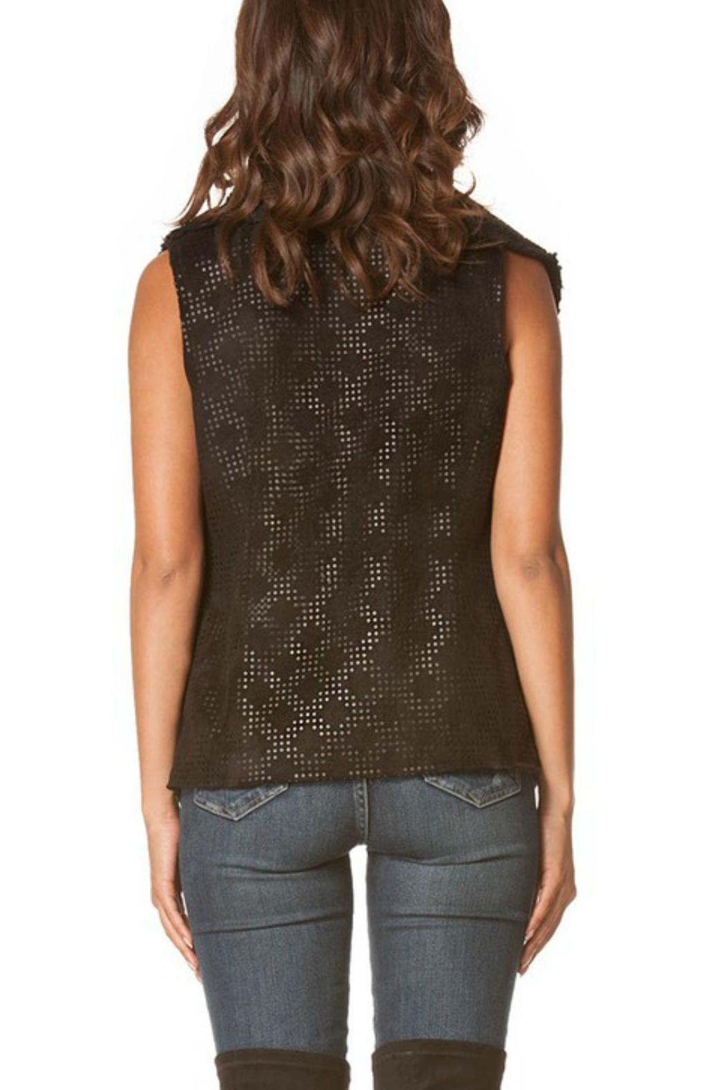 Carmin Sherpa Diamond Vest - Side Cropped Image