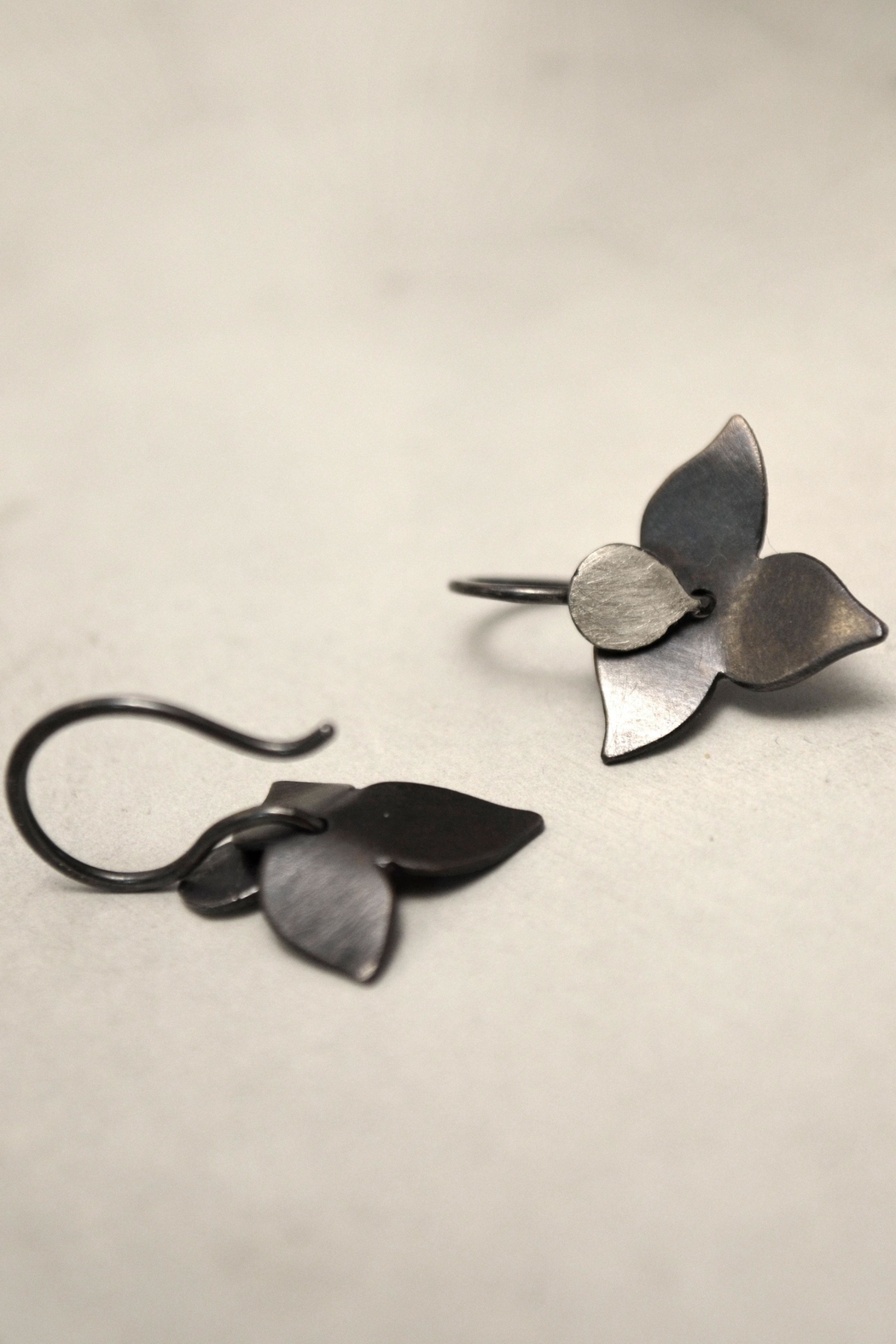 Carolina Lutz Floral Minimalistic Earrings - Main Image