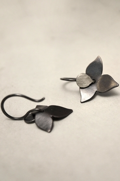 Carolina Lutz Floral Minimalistic Earrings - Product List Image