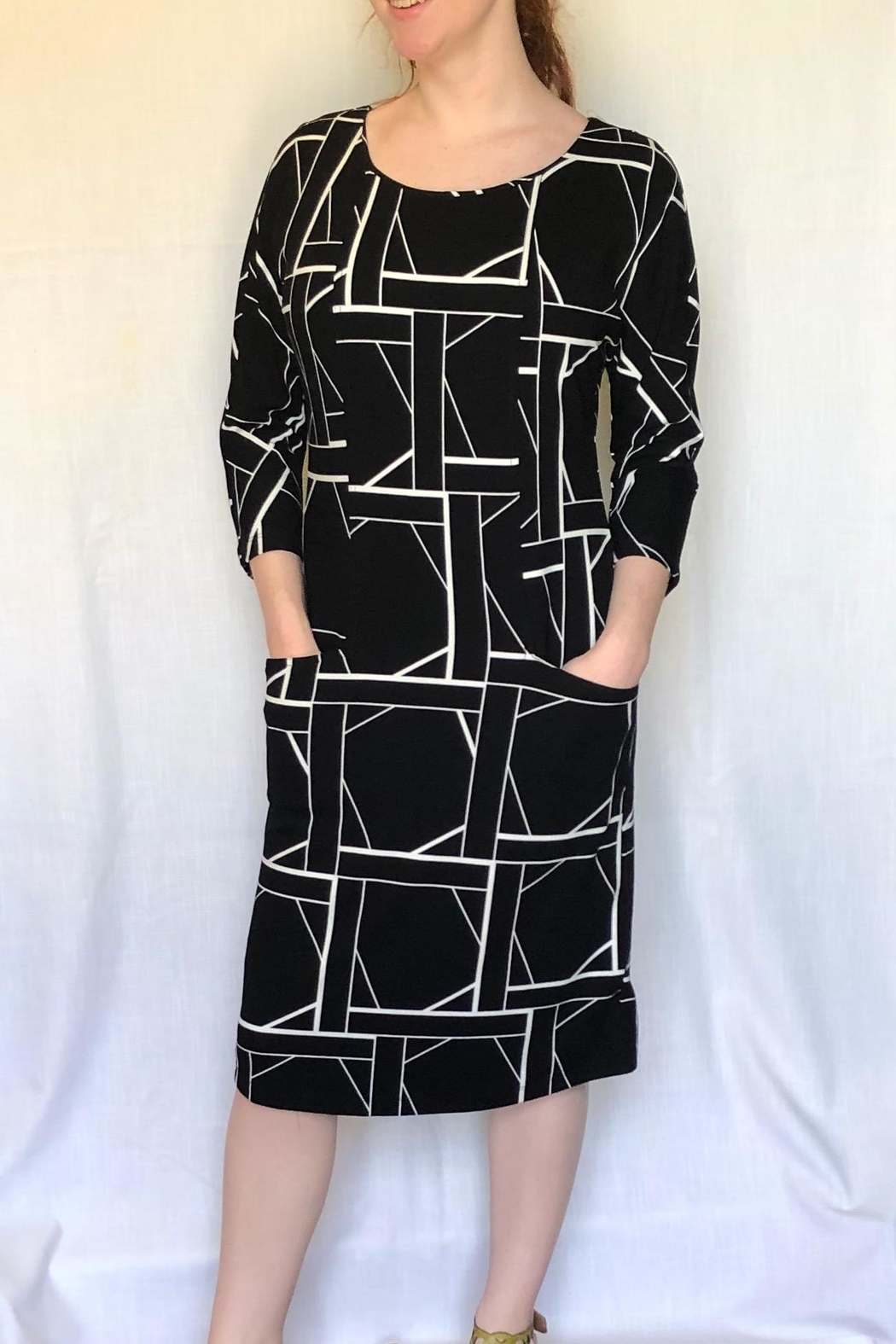 Carre Noir Geo Print Dress - Front Cropped Image
