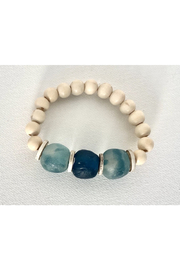 COASTAL GRIT CARRIBEAN SHORELINE-NATURAL WOOD BEAD W/3 GLASS BEADS - Front cropped