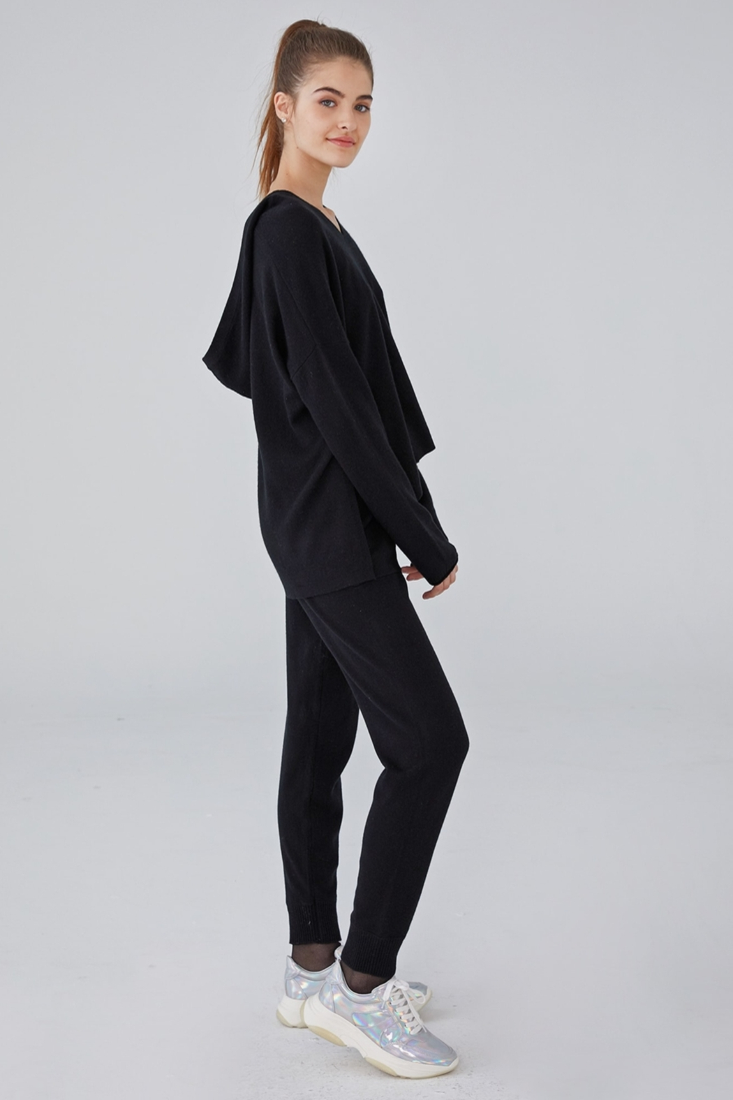 Revive Cashmere Cashmere Hoodie - Side Cropped Image