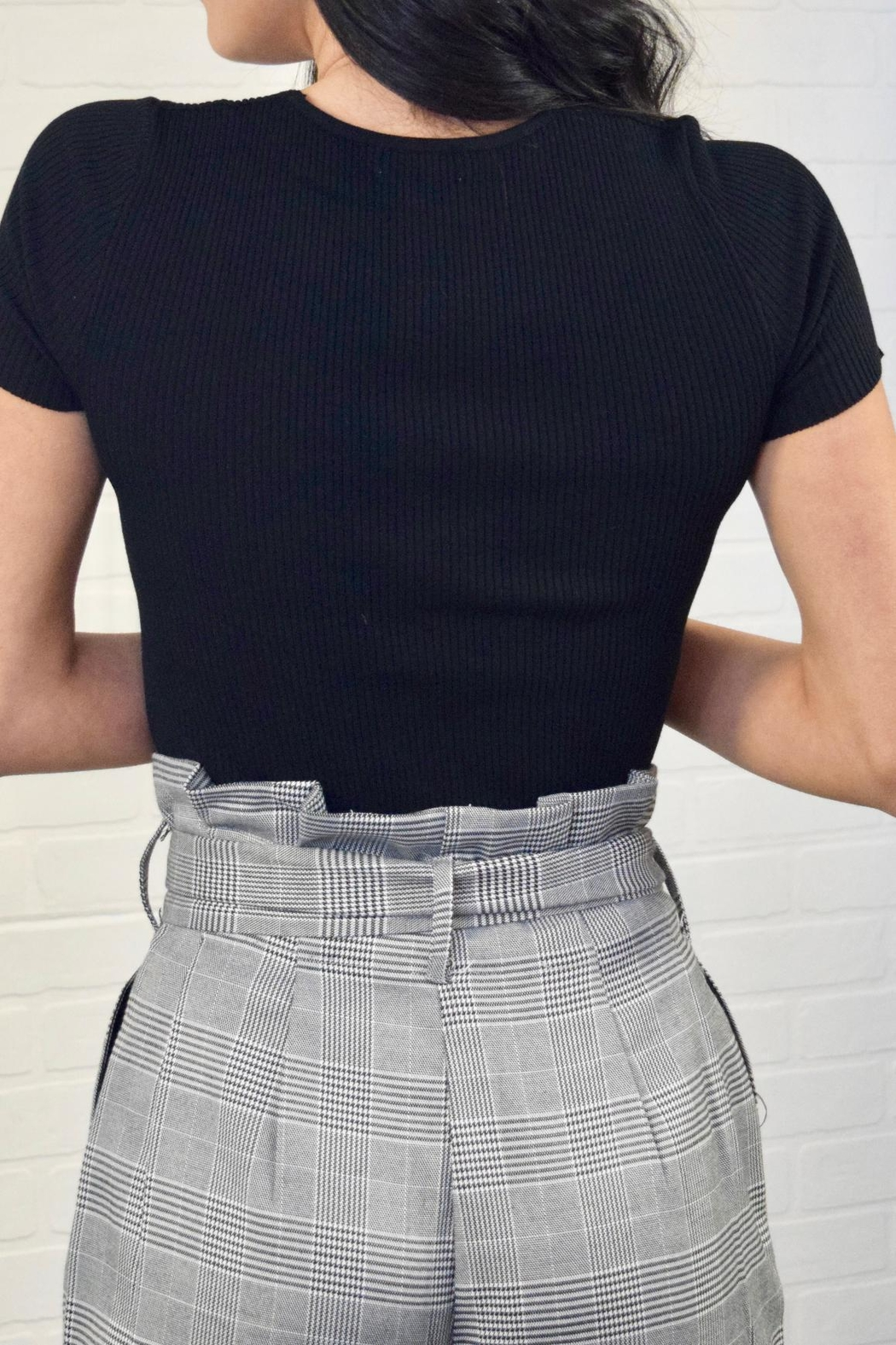 Casting Twist Front Top - Side Cropped Image
