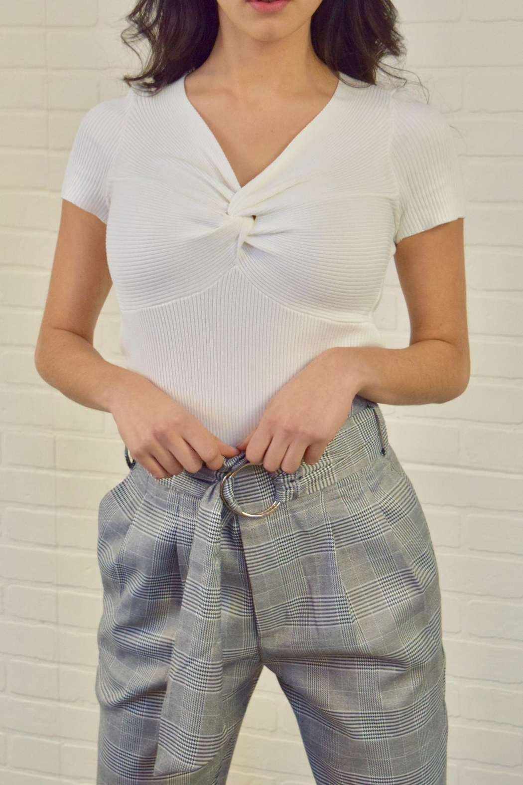 Casting Twist Front Top - Front Cropped Image