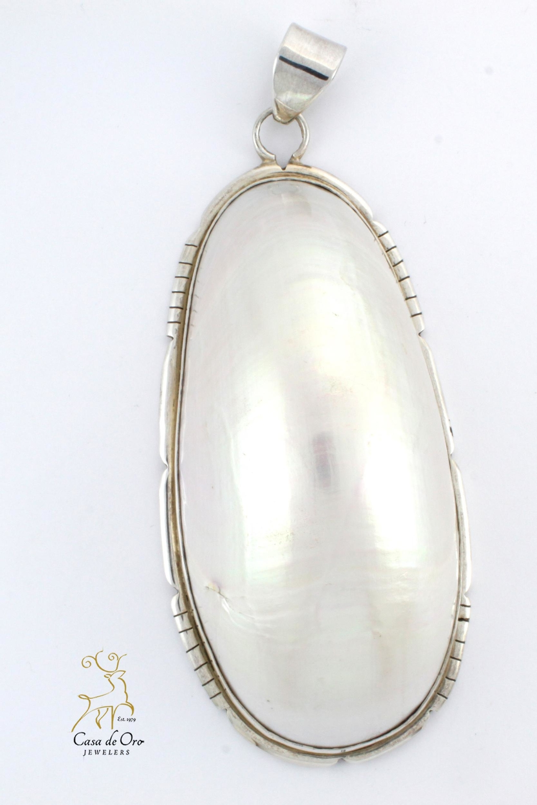 CDO  Sterling Shell Pendant - Front Cropped Image