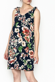 Ces Femme Sleeveless Floral Shift Dress - Product Mini Image