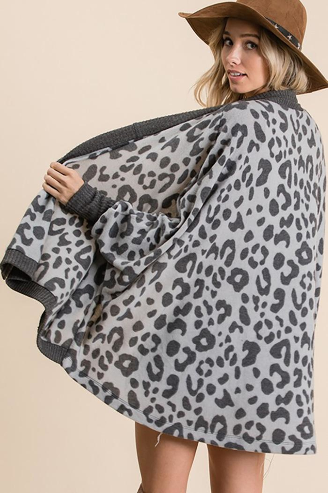 Ces Femme Animal Print Open Front Cardigan - Side Cropped Image