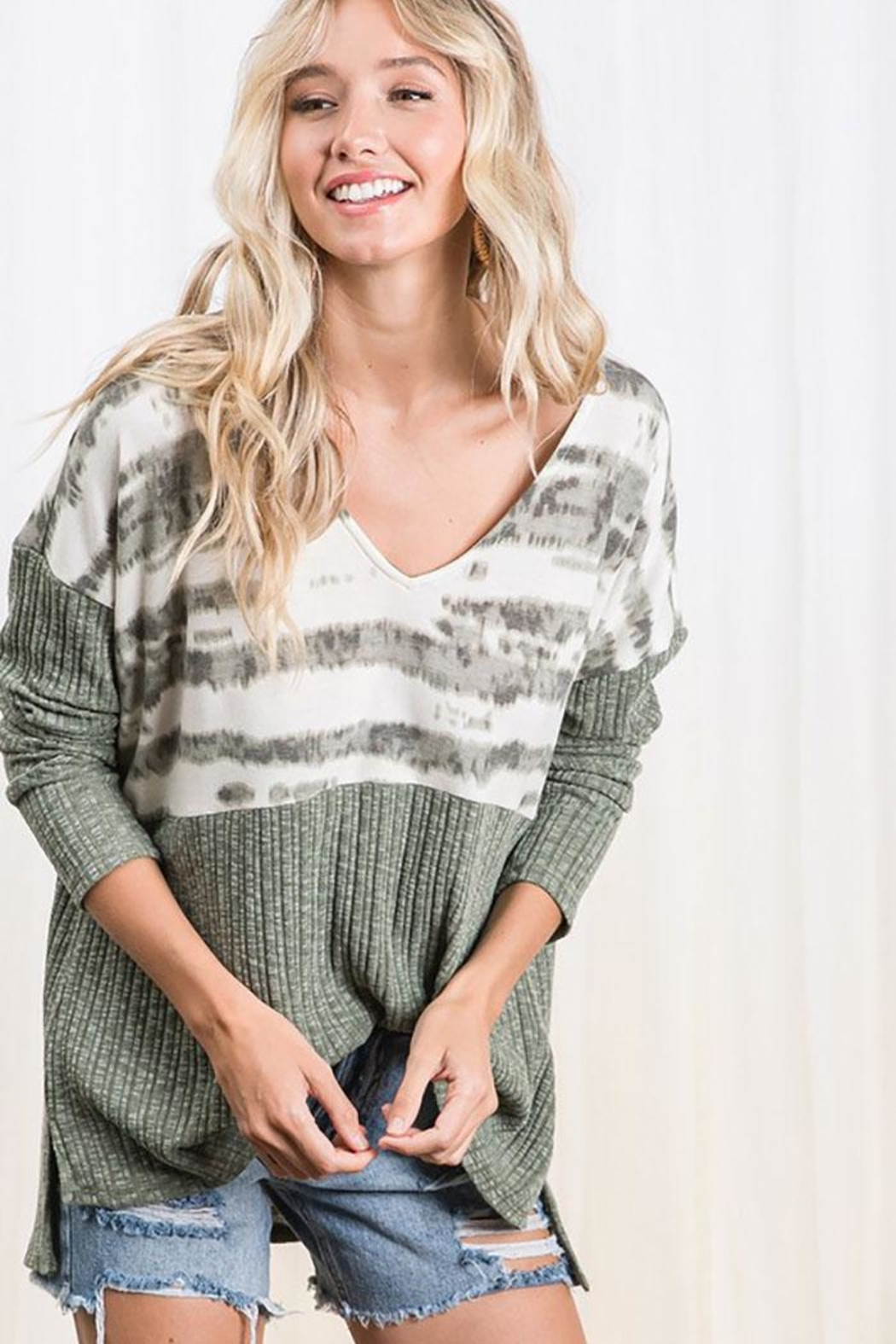 Mint Cloud Boutique Colorblock Casual Boxy Tunic Top - Front Full Image
