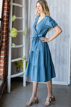 veveret Chambray belted and tiered midi dress - Alternate List Image