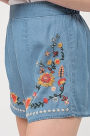 Blu Pepper Chambray Embroidered Shorts - Back cropped