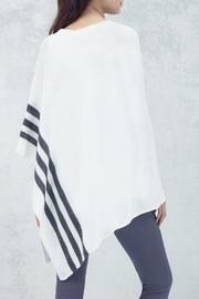 CHARLIE Rye Cashmere Poncho - Side cropped
