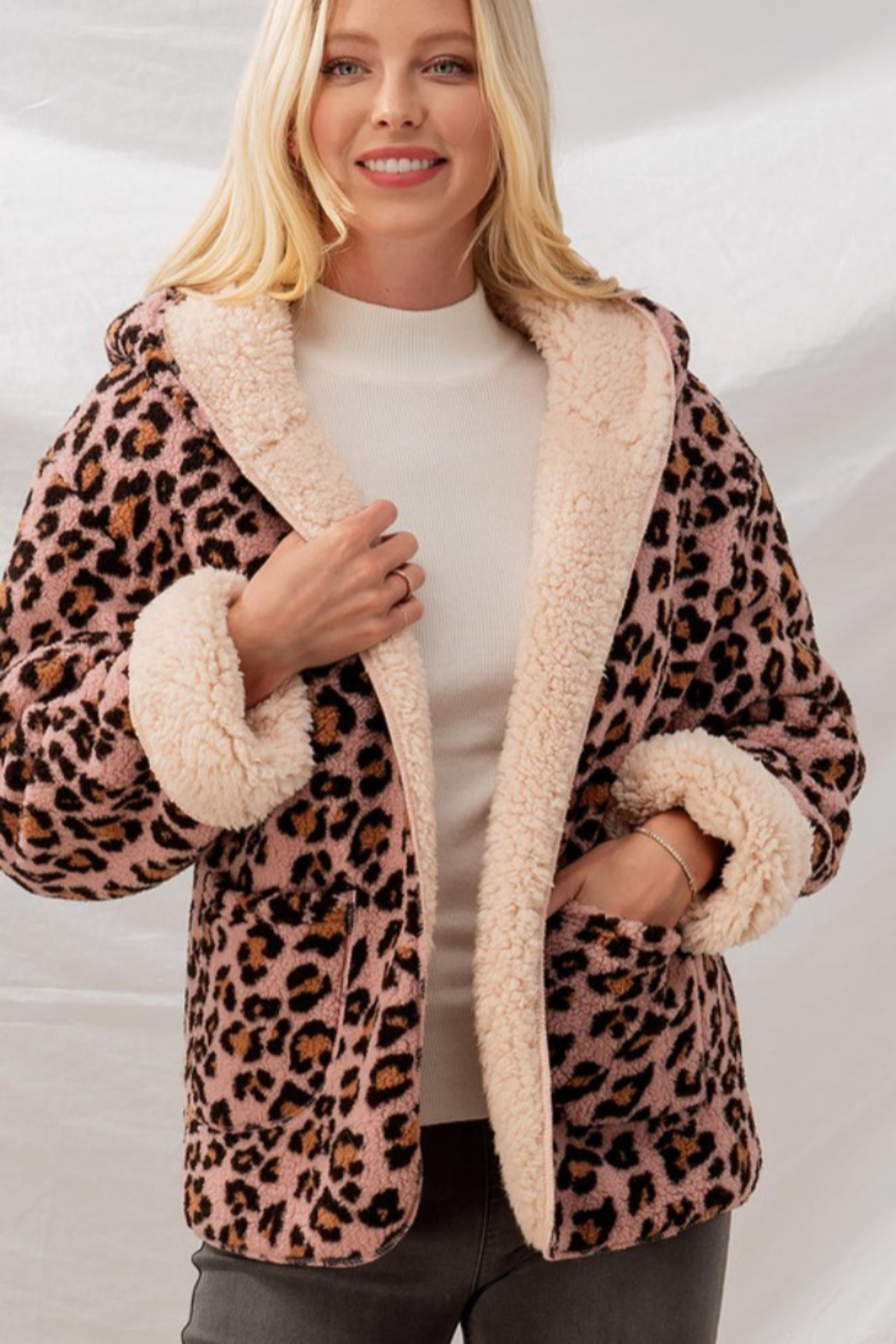 Trend Notes  Cheetah Sherpa Jacket - Front Full Image