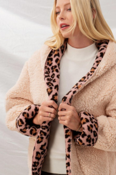 Trend Notes  Cheetah Sherpa Jacket - Alternate List Image