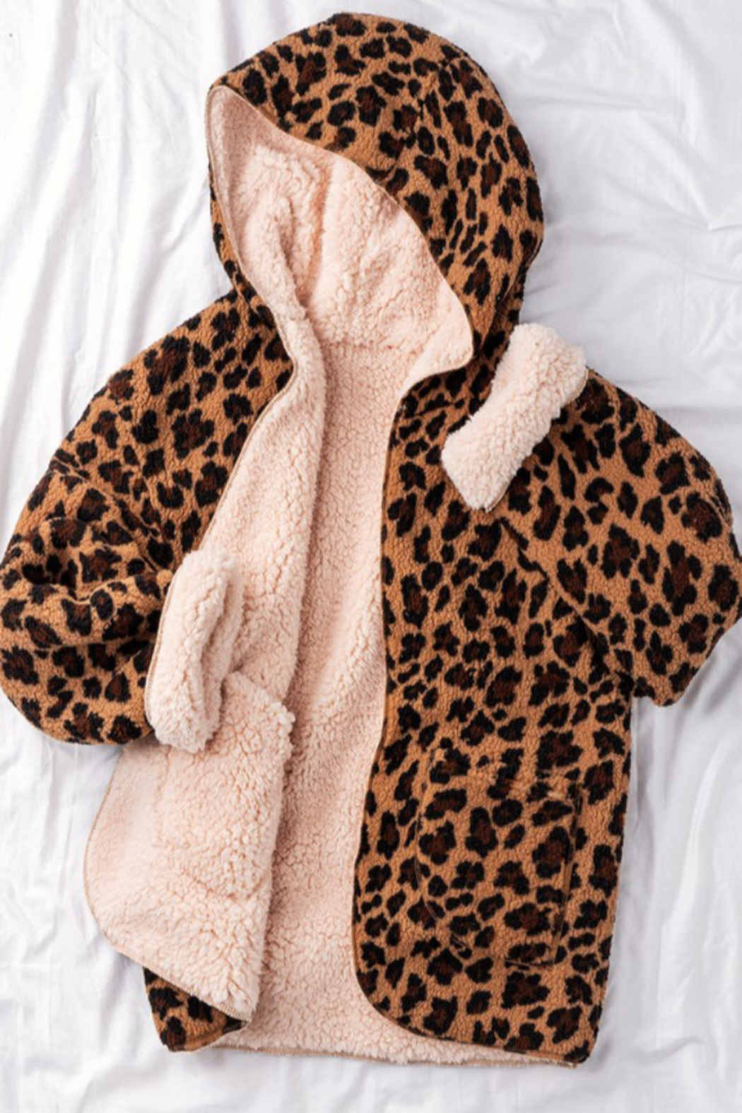 Trend Notes  Cheetah Sherpa Jacket - Front Cropped Image