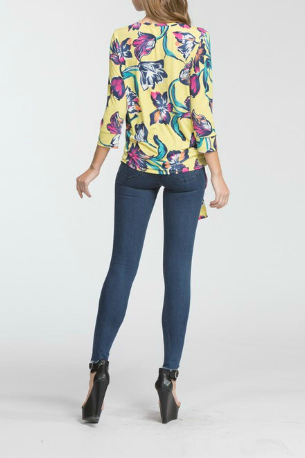 Cherish Arika Floral Top - Side Cropped Image
