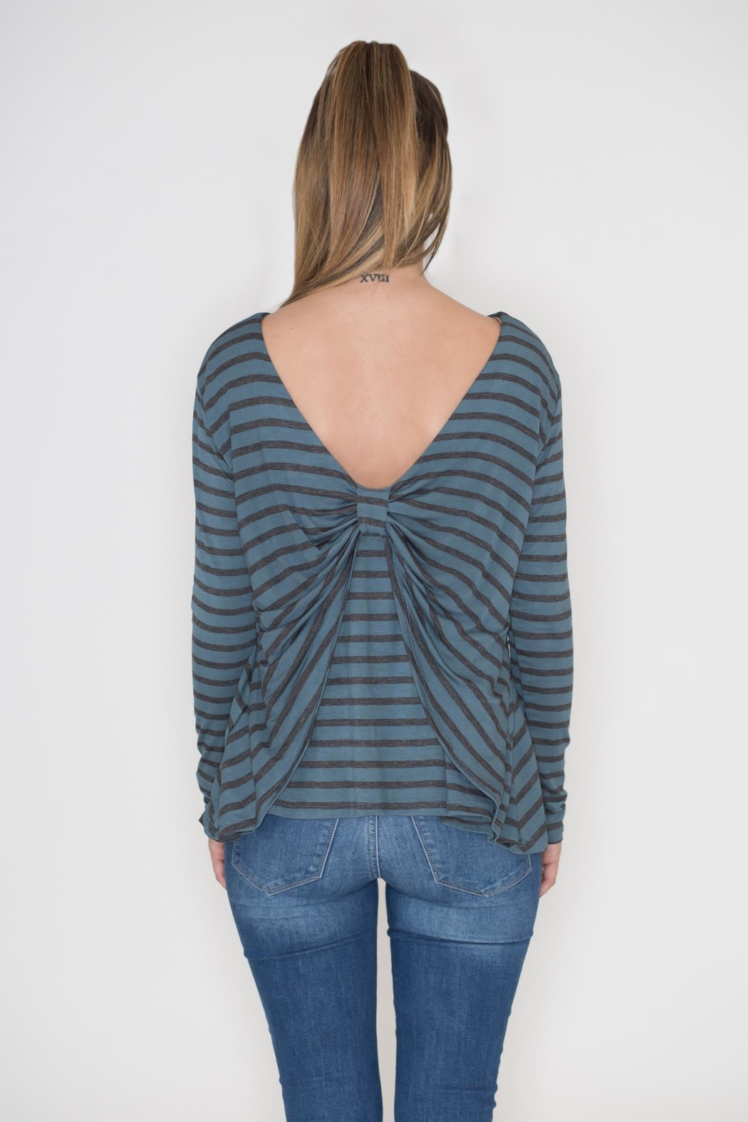 Cherish Bow Back Top - Side Cropped Image