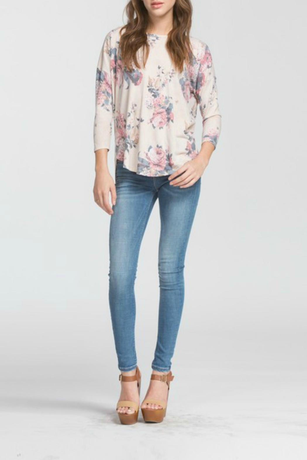 Cherish Lina Floral Top - Side Cropped Image