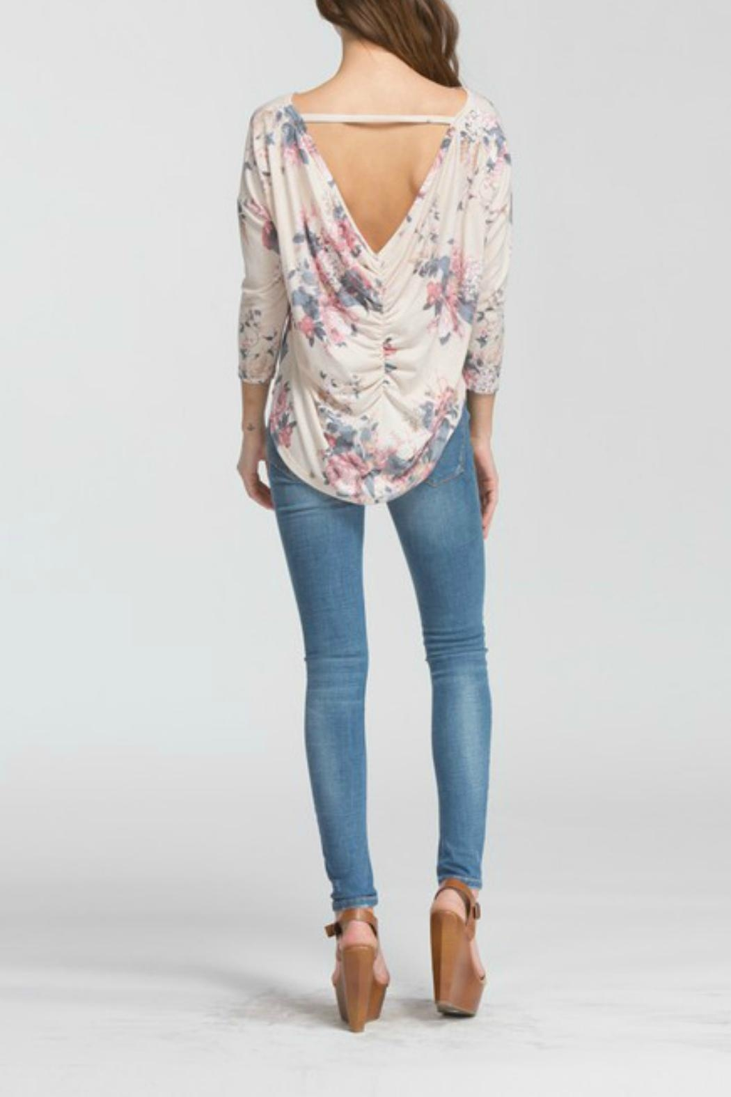 Cherish Lina Floral Top - Back Cropped Image