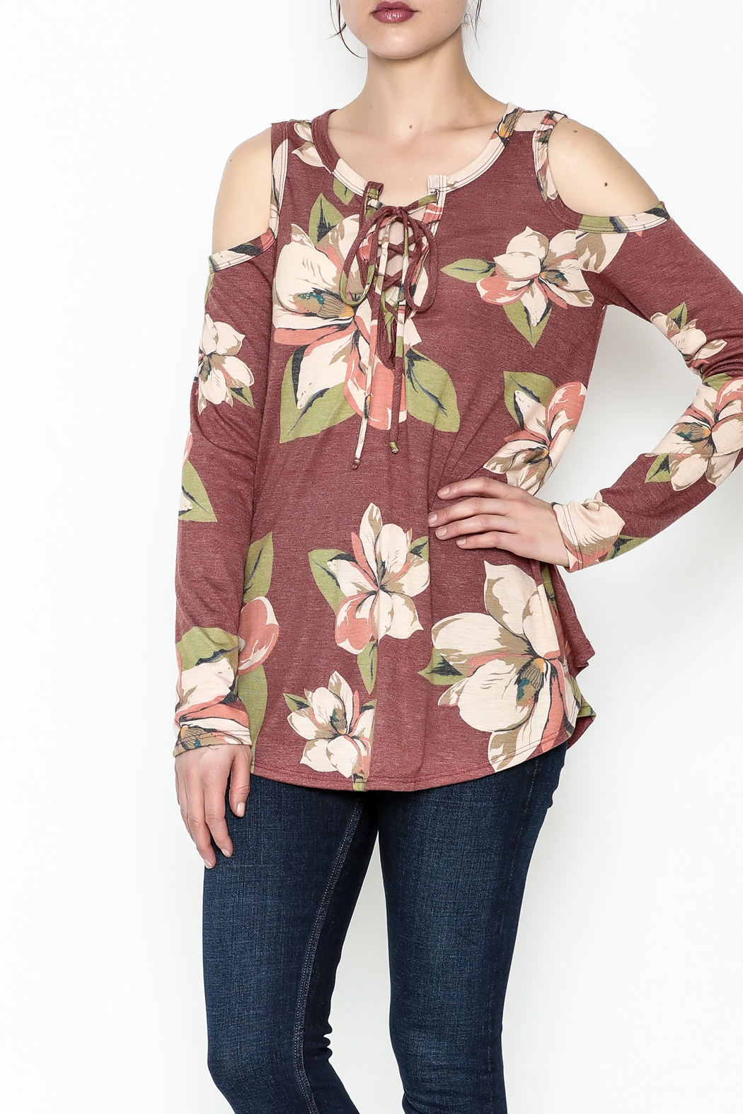 Cherish Vintage Floral Top - Front Cropped Image