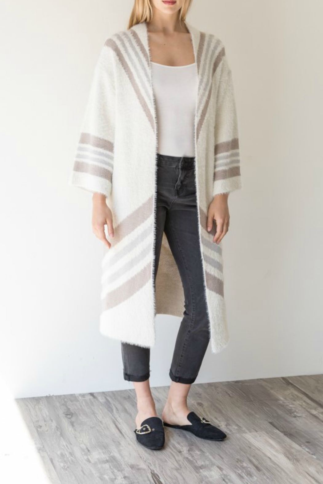 Mystree CHEVRON STRIPED OVERSIZE LONGLINE OPEN CARDIG - Front Cropped Image