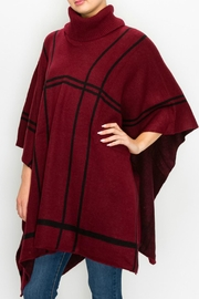 Chic Ruff Geometric Poncho - Product Mini Image