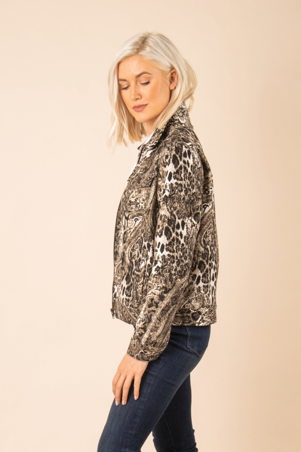 Simply Noelle Chino Snake Print Jacket - Side Cropped Image