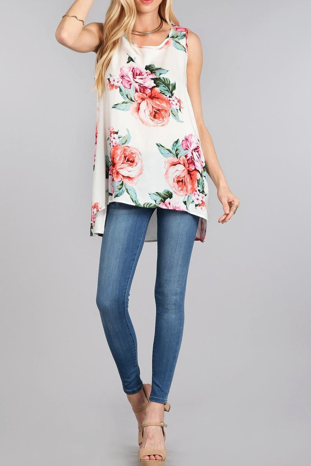 Chris & Carol Floral High-Low Top - Front Cropped Image