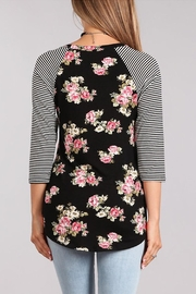 Chris & Carol Raglan Floral Top - Side cropped