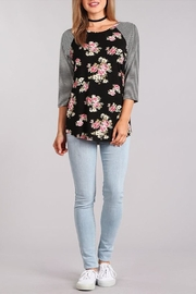 Chris & Carol Raglan Floral Top - Front cropped