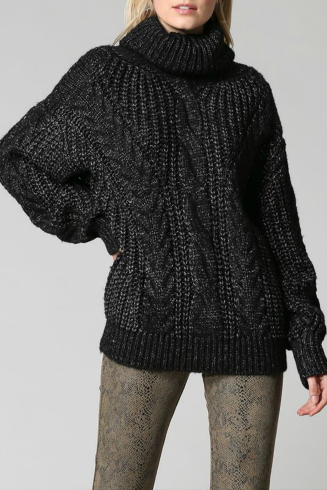 FATE by LFD Chunky cableknit sweater - Main Image