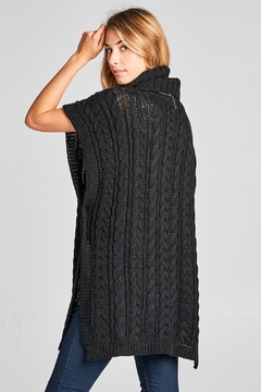 Love Kuza Chunky Knit Poncho - Alternate List Image