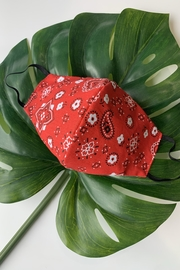 Chynna Dolls Face Mask: Reversible In Red Bandanna x Black - Front cropped