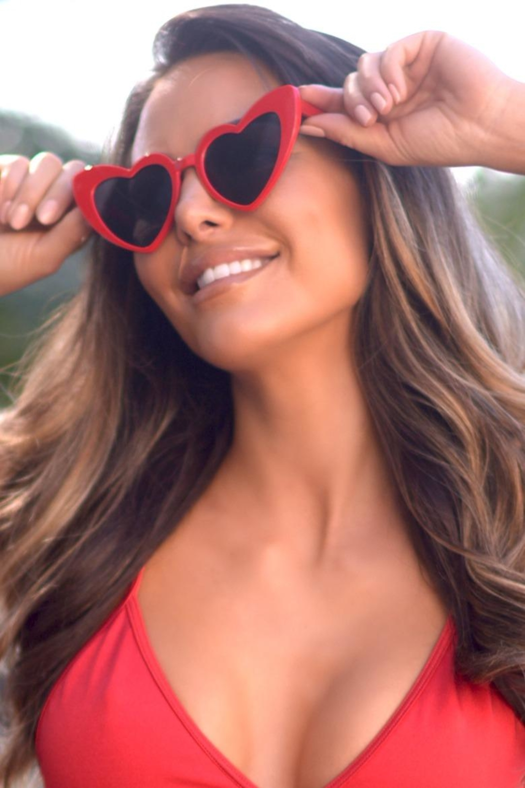 Chynna Dolls Heart Sunglasses - Main Image