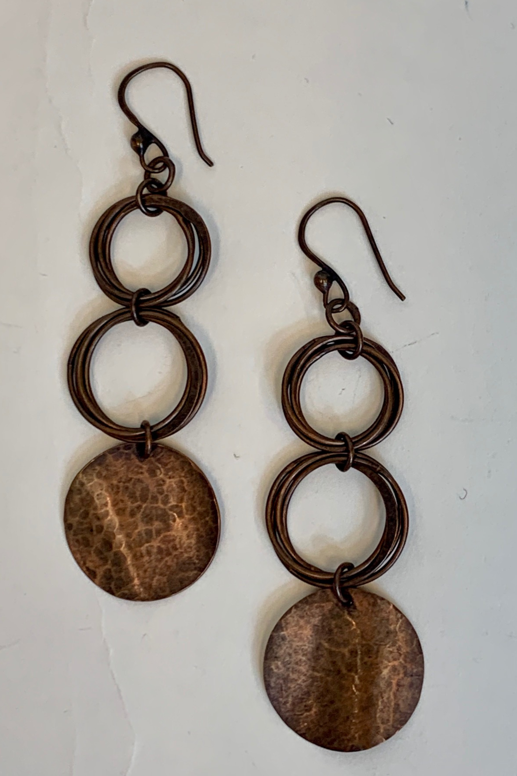 Dominique CIRCLE EARRING - Main Image