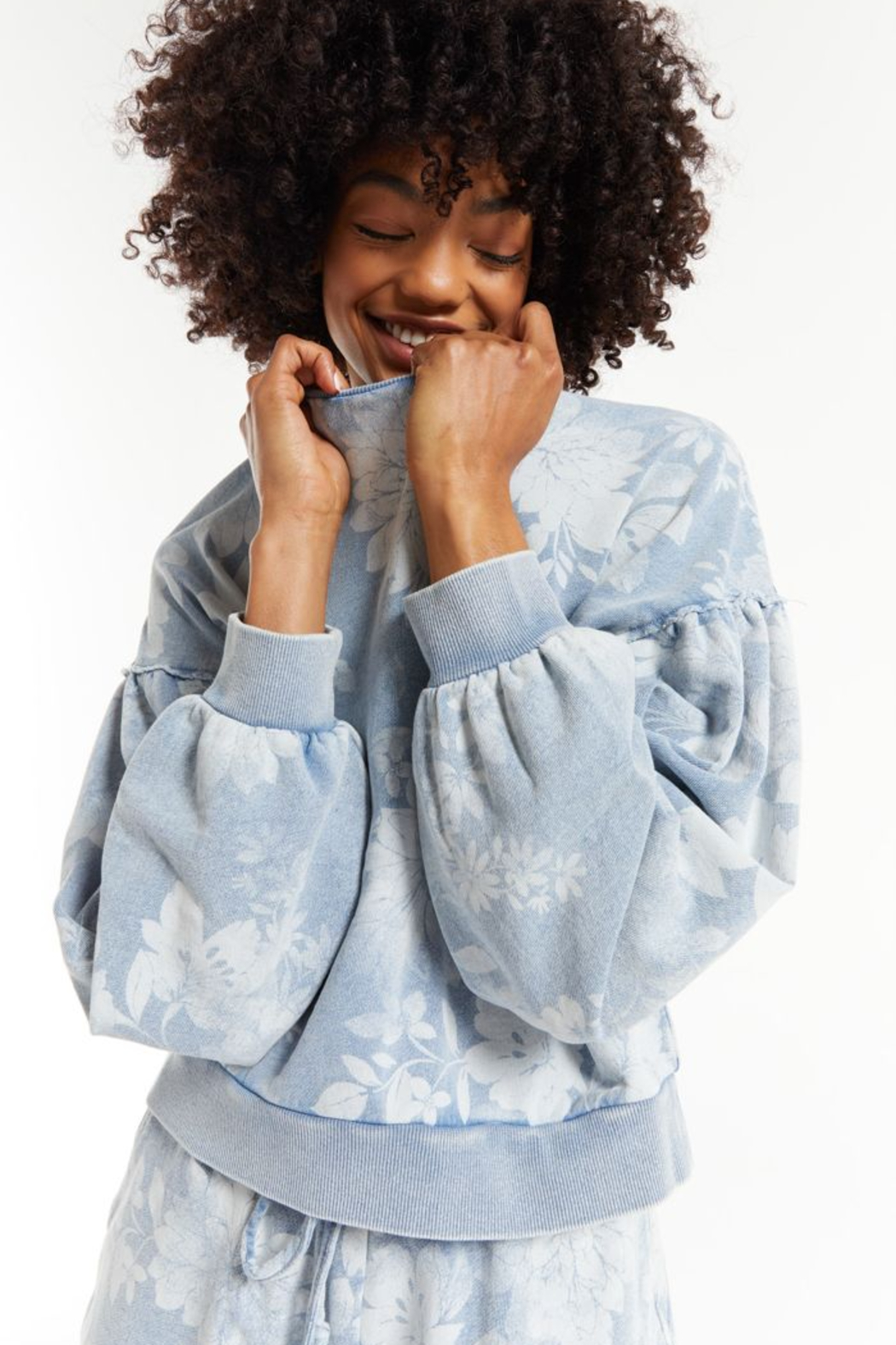 z supply Claire Floral Sweatshirt - Side Cropped Image