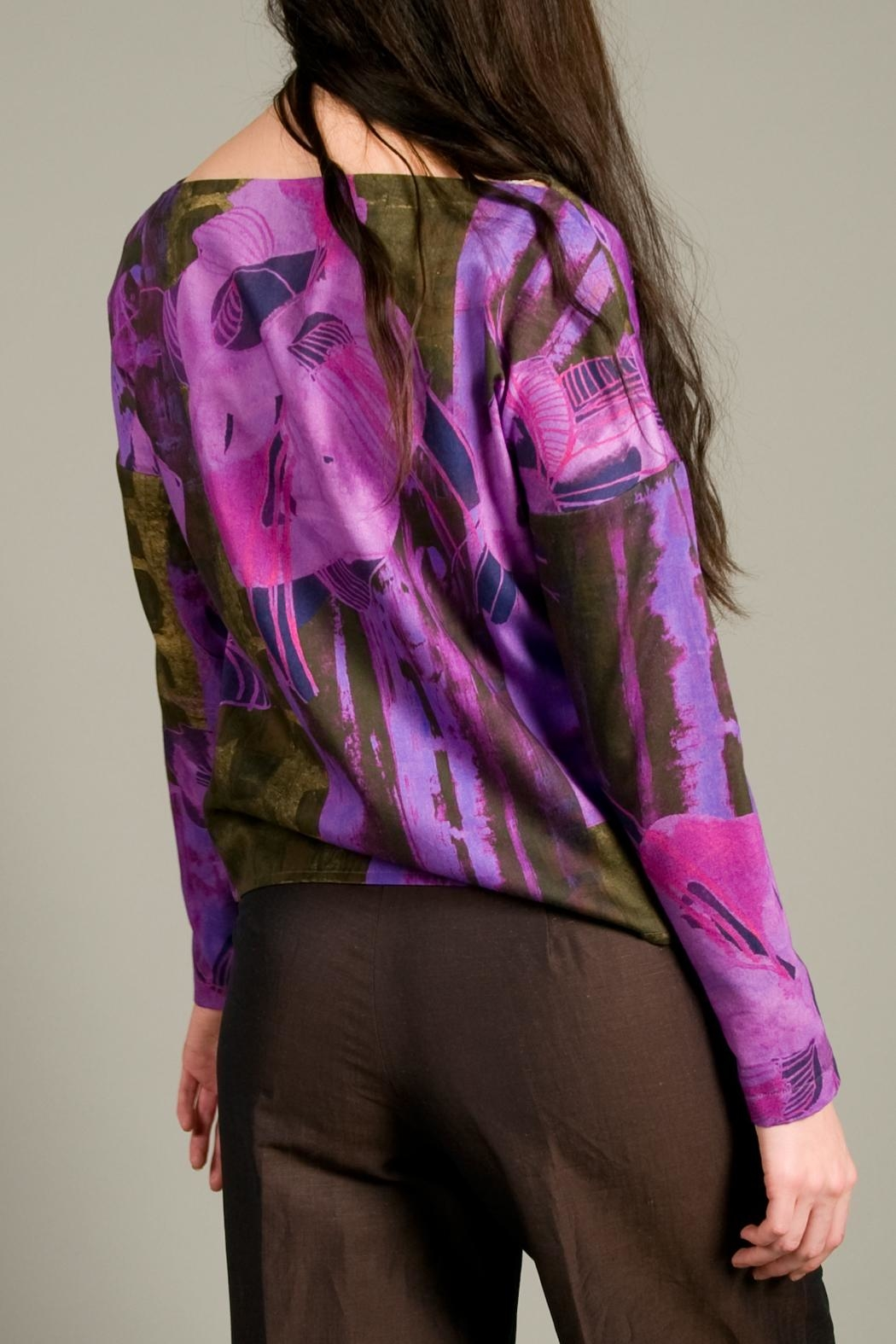 Clara Kaesdorf Loose Cut Top With Flowers - Back Cropped Image