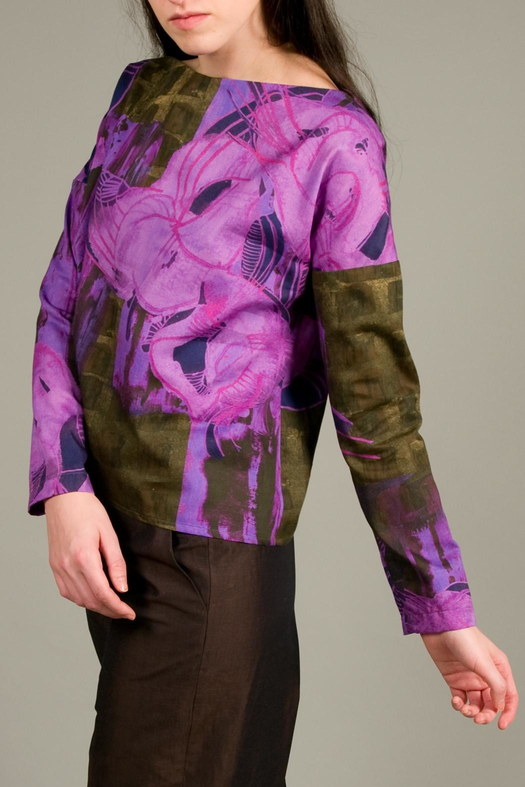 Clara Kaesdorf Loose Cut Top With Flowers - Side Cropped Image
