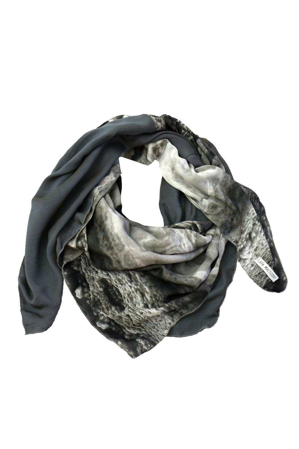 Clara Kaesdorf Scarf Ice-Crystal Grey - Front Cropped Image