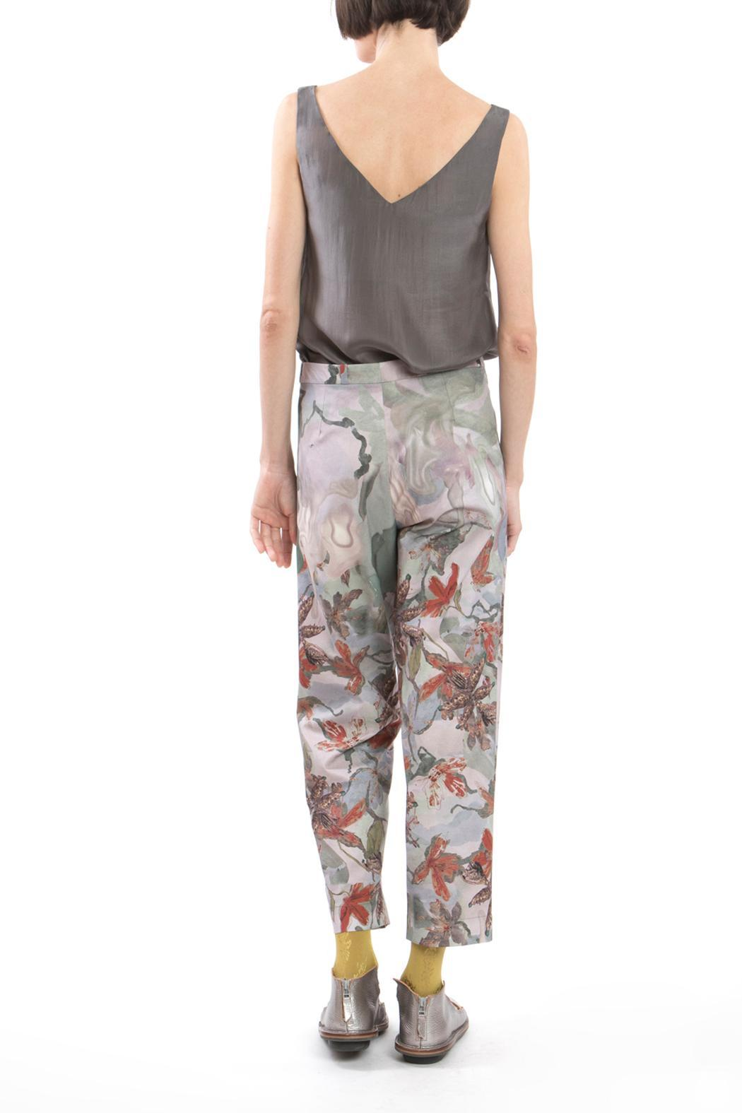 Clara Kaesdorf Trousers Flower Red - Side Cropped Image