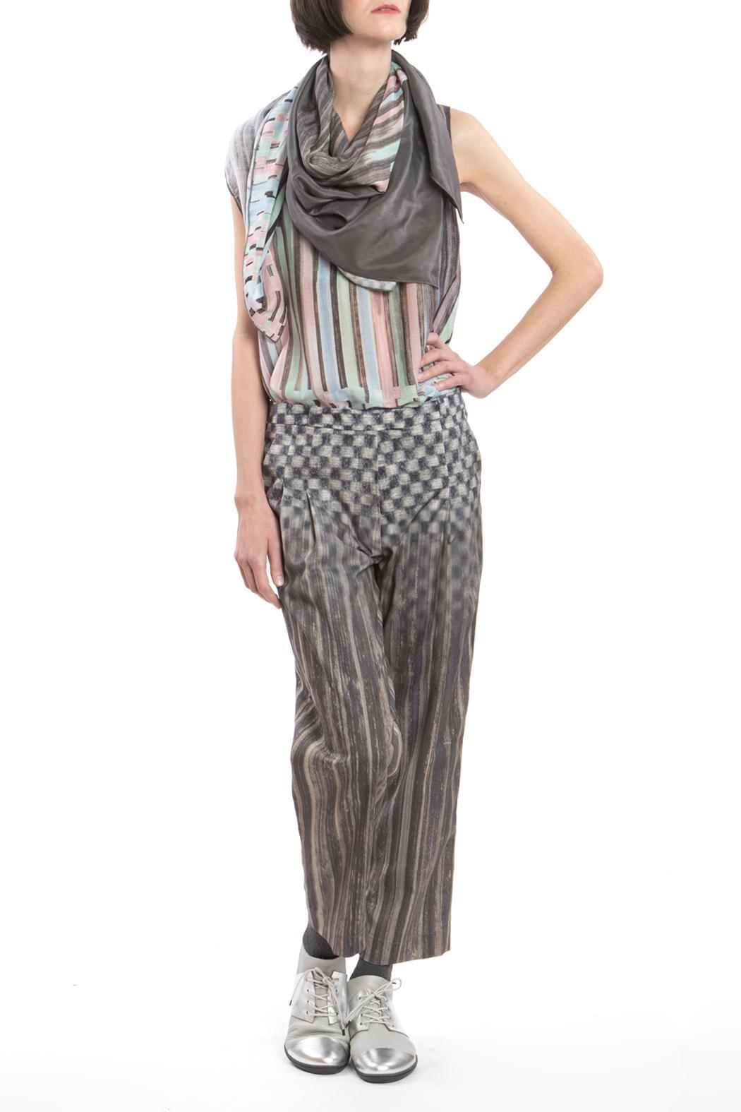 Clara Kaesdorf Trousers Pleats Grey - Back Cropped Image