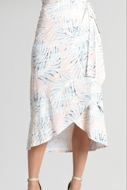 Clara Sunwoo Tropical-Print Wrap-Front Skirt - Front cropped