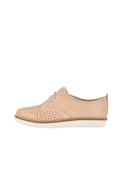 Clarks Modern Beige Oxford - Product List Image